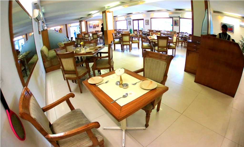 Restaurant in Manesar Gurgaon, Delhi,Veg Restaurant
